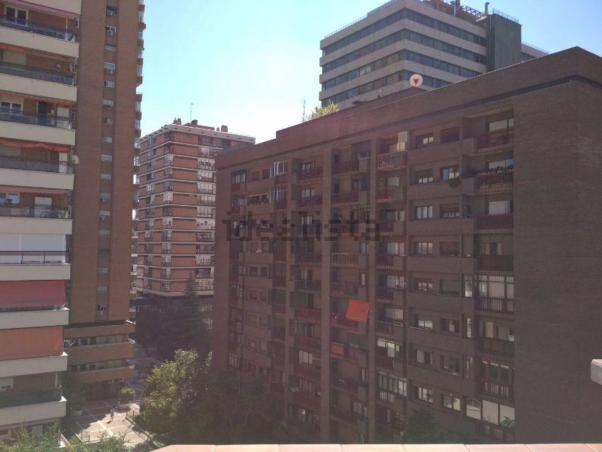 Ático en calle de la Infanta Mercedes, Cuzco-Castillejos, Madrid