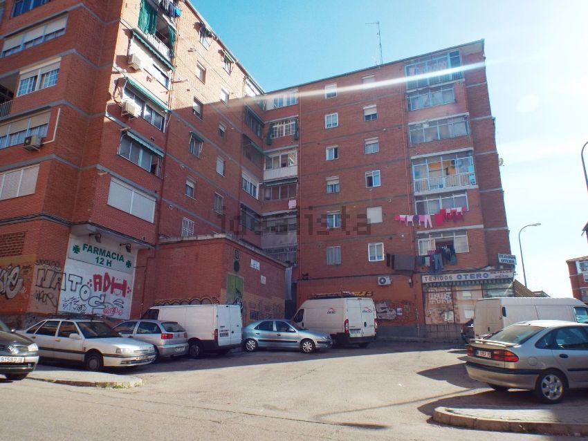 Piso en calle de Camarena, Aluche, Madrid
