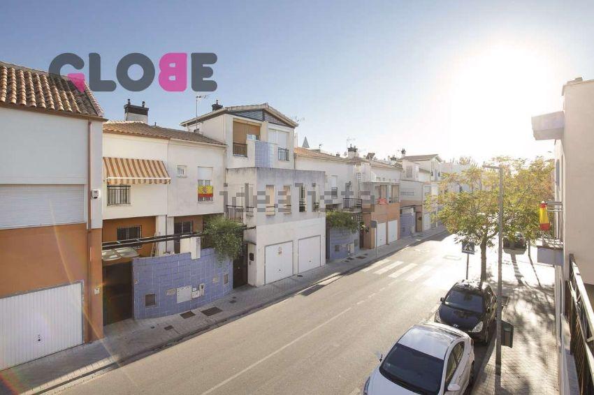 Chalet adosado en calle avicena, San Miguel, Armilla
