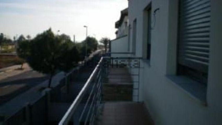 Chalet adosado en V-19, Almenara
