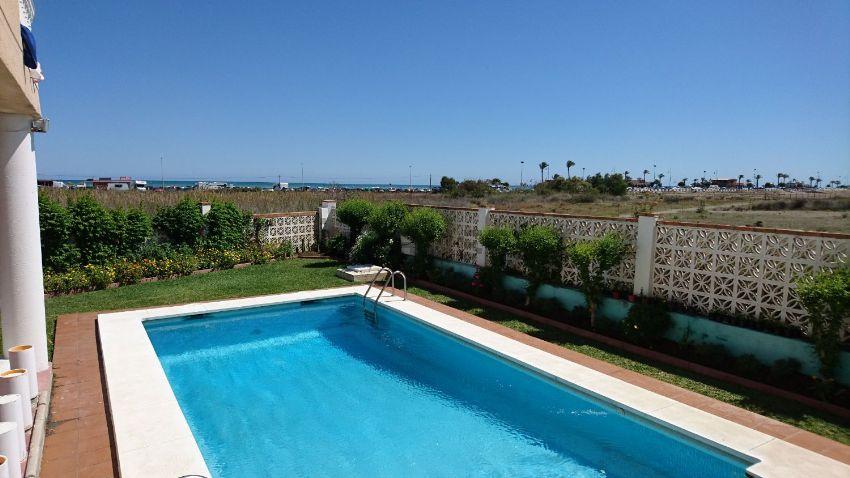 15 pisos de lujo con vistas al mar idealista news for Pisos con vistas al mar