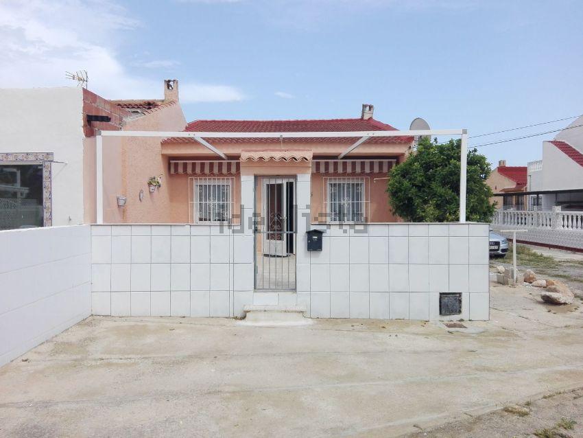 Chalet adosado en calle Venus, 335, La Siesta - El Salado - Torreta, Torrevieja