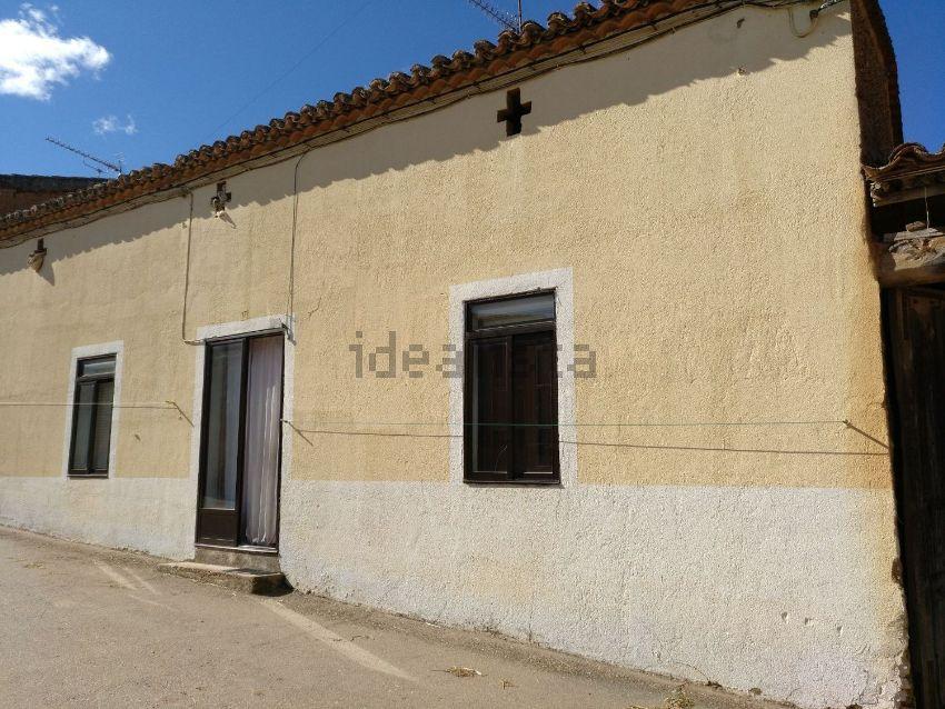 Casa de pueblo en calle Iglesia, 15, San Pedro de la Nave-Almendra