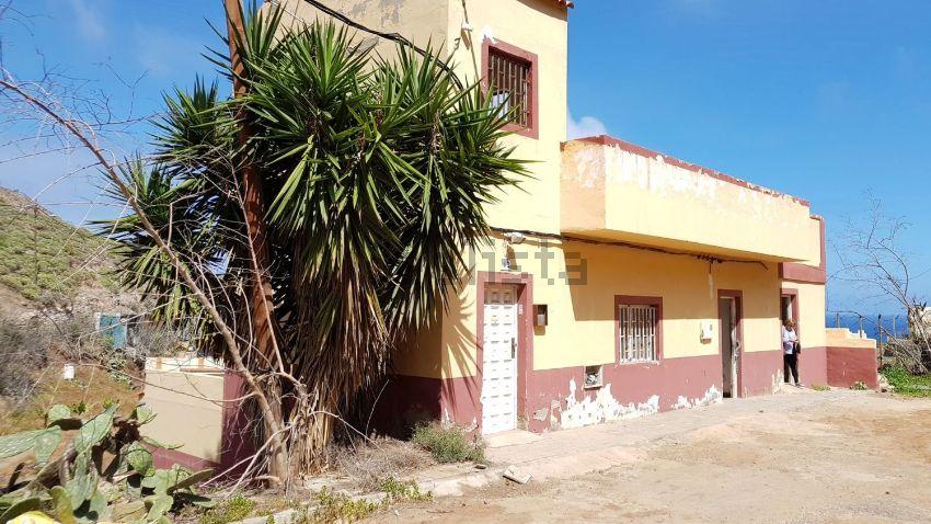 Casa ayala las palmas stunning foto de terreno urbanizable en calle domingo araya ladera alta - Casas terreras de alquiler en las palmas baratas ...