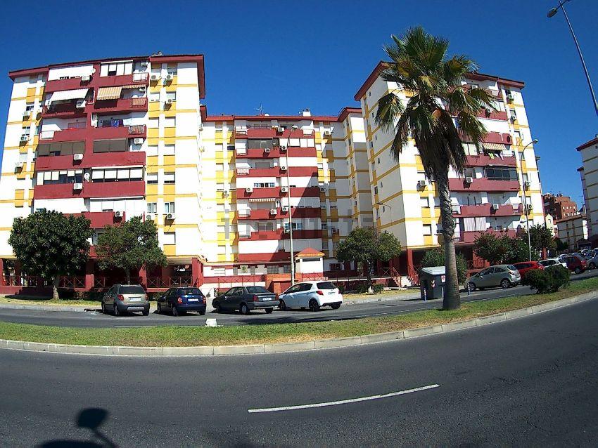 Piso en plaza Tallista M. Hierro Barreda, Nuevo Parque - Los Rosales - Tráfico P