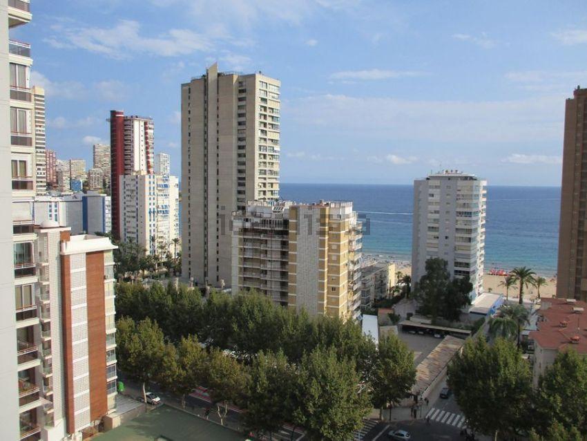 Piso en calle Gerona, Zona Rincón Bajo-Av. de Europa, Benidorm