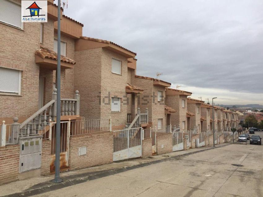 Chalet adosado en calle Sierra de la Sagra, 16, Yeles