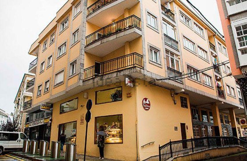 Piso en calle nicolás cora montenegro, 51, Viveiro