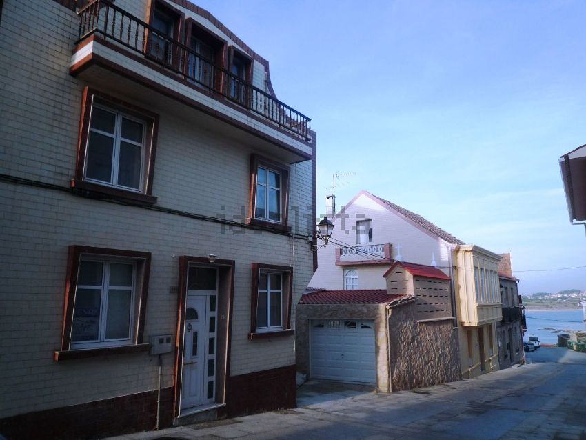 Chalet pareado en calle da Cambra, Ribeira