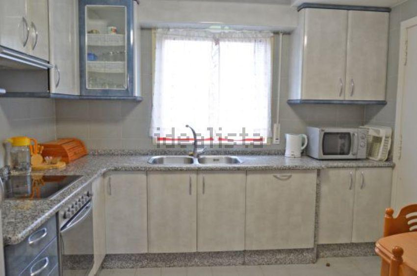 Piso en Fuentebella, 50, Fuentebella-San Felix-El Leguario, Parla