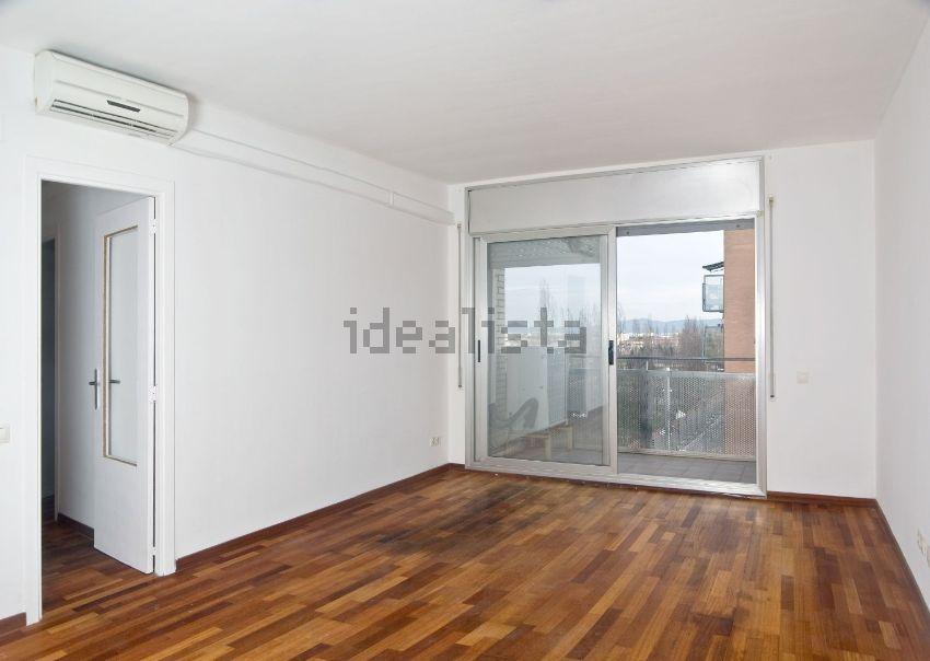 pisos grandes con garaje y baratos idealista news