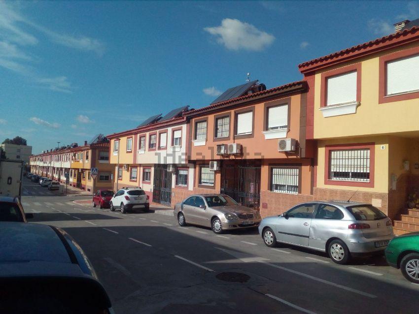 Chalet adosado en calle Tomás Moro, 38, Santa Cristina - San Rafael, Málaga