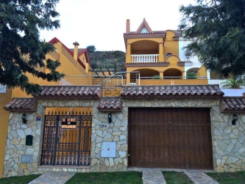 Chalet pareado en calle ficus, s n, Cortijo Torrequebrada, Benalmádena