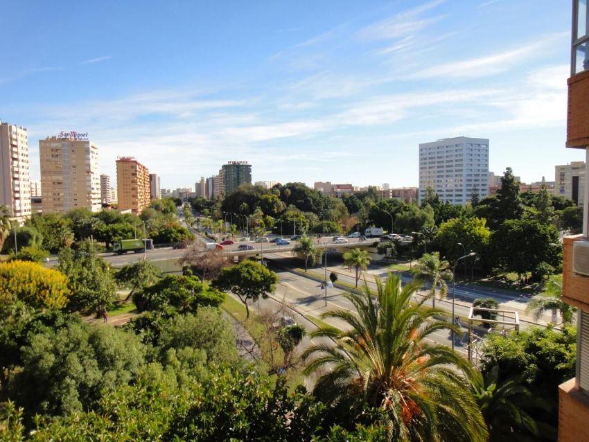 Piso en calle Avenida de Andalucía, Carranque - Haza Cuevas, Málaga