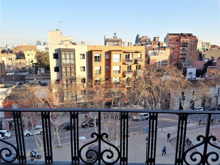 Piso en calle Còrsega, El Camp de l Arpa del Clot, Barcelona