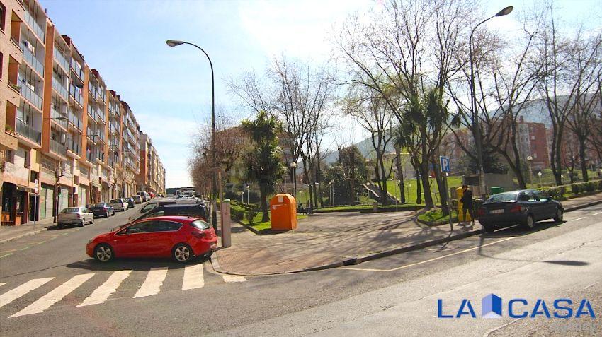 Piso en calle Eretza Mendiaren, San Adrián, Bilbao