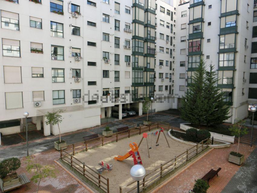 Piso en calle torrox, 26, San Fermín, Madrid