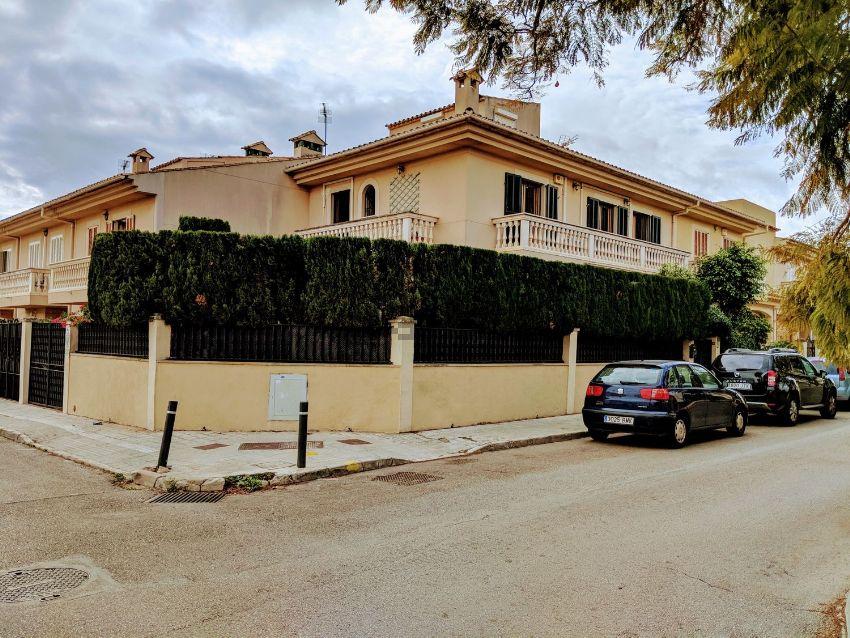 Chalet adosado en calle de l Escola Nacional, Son Ferriol, Palma de Mallorca