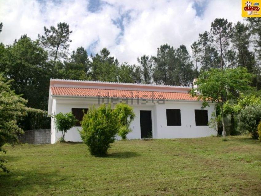 Casa o chalet independiente en A 2,5 KM URBANIZACIÓN OS VERXELES, Teo