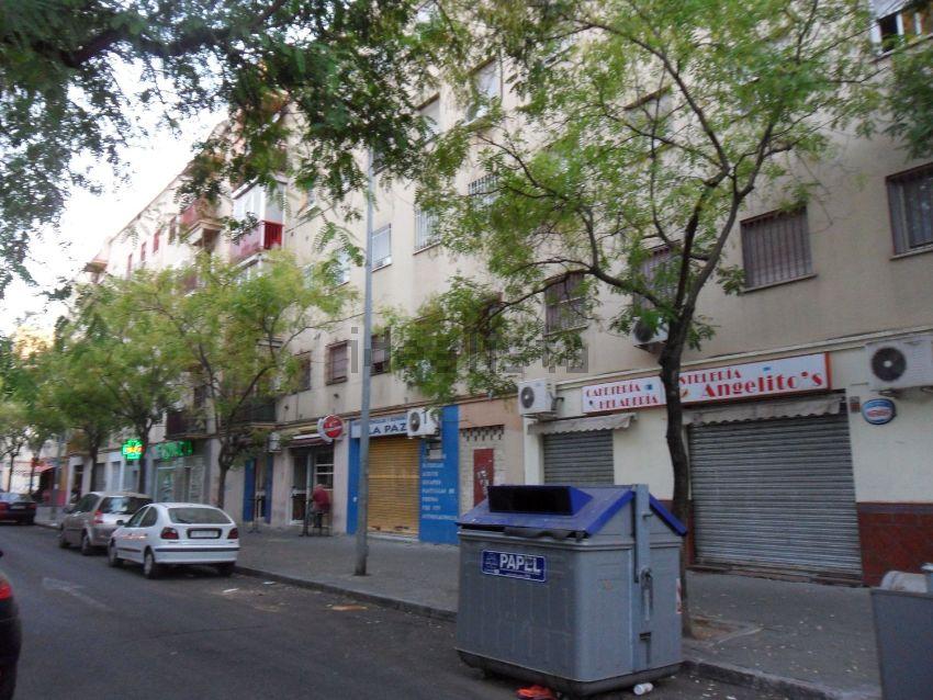 Piso en avenida del paz, Su Eminencia - La Oliva, Sevilla