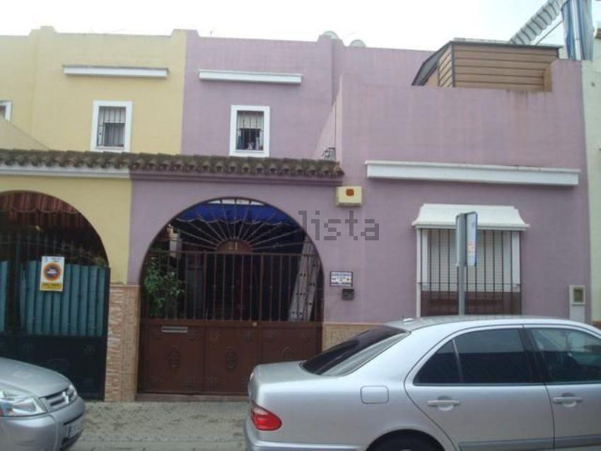 Chalet adosado en calle Fernando Sánchez Emper, Camas