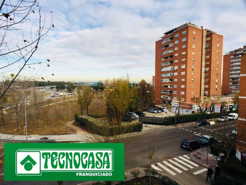Piso en calle de Seseña, Aluche, Madrid