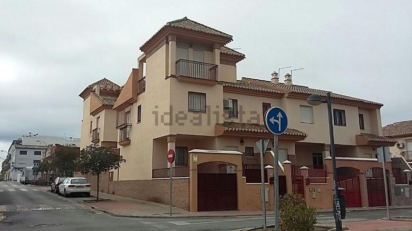 Chalet adosado en calle Játiva, 47, Zona Polideportivo, Alhendin
