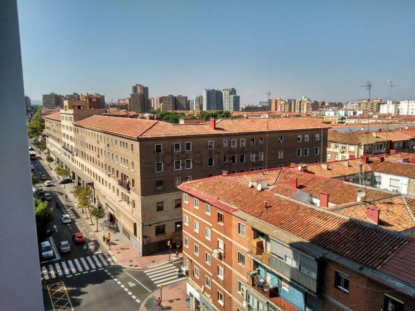 Piso en avenida Valencia, Universidad San Francisco, Zaragoza