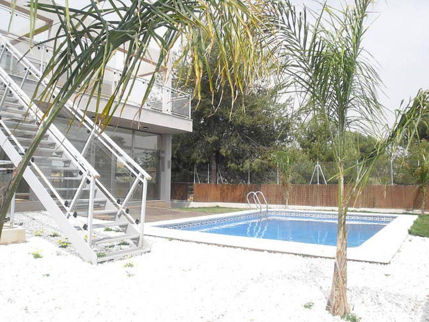Chalet piscina godella idealista labs for Piscina de godella