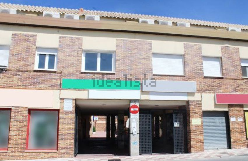 Piso en avenida Castilla la Mancha, Cobisa