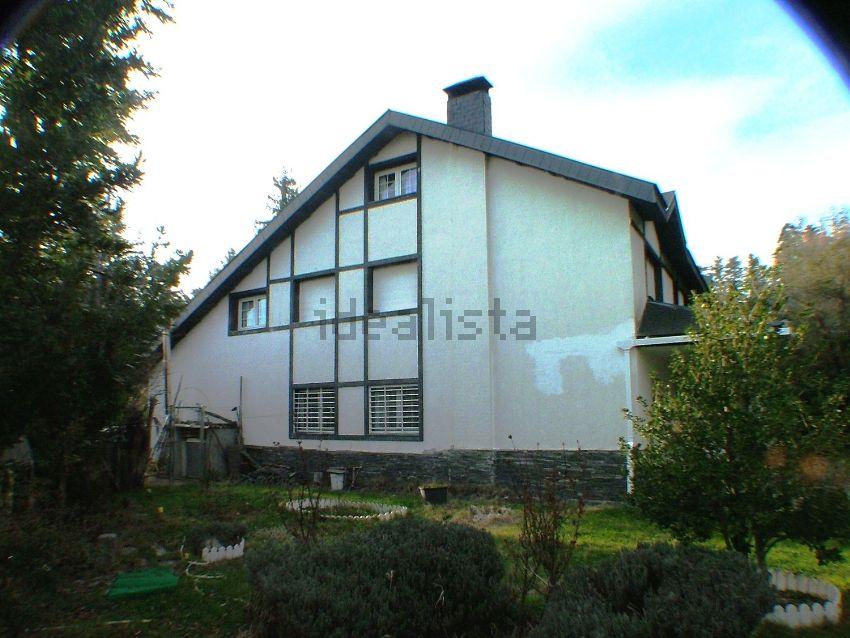 Chalet pareado en venta en calle tres casas, 11, Cercedilla