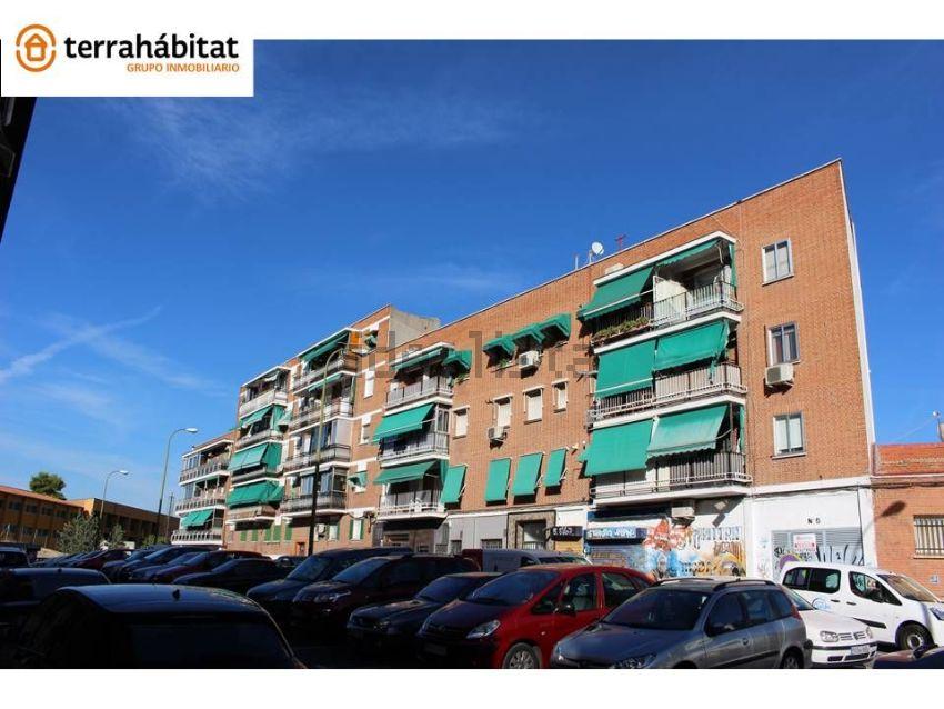 Piso en calle del Cerro Blanco, Zofío, Madrid