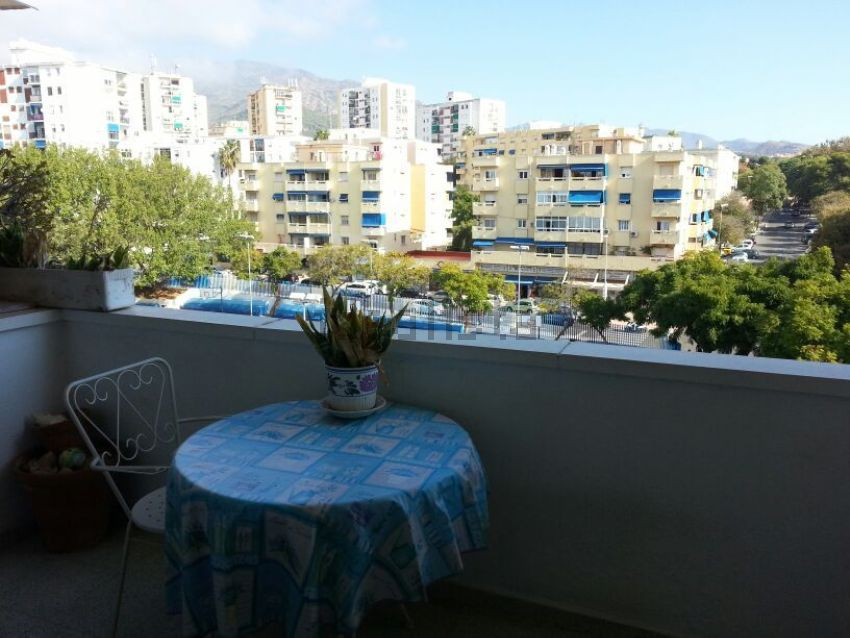 Piso en calle Valentuñana, Huerta Belón-Calvario, Marbella