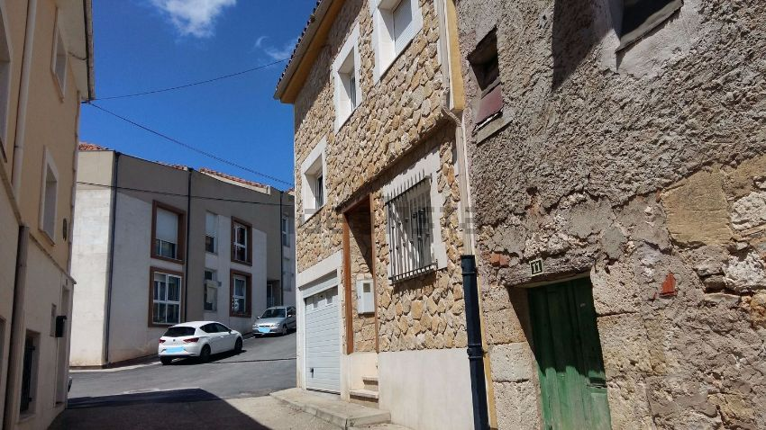 Chalet adosado en calle Coches, 9, Cardeñadijo