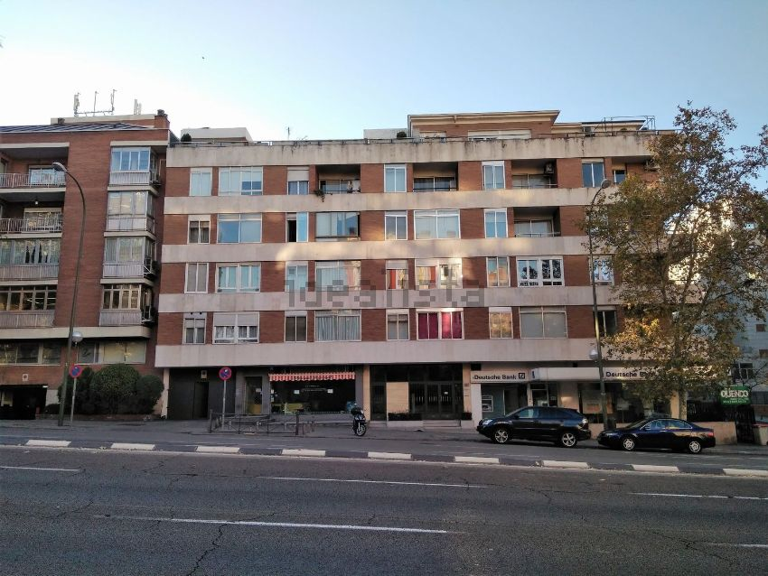 Piso en avenida de Alberto de Alcocer, Bernabéu-Hispanoamérica, Madrid