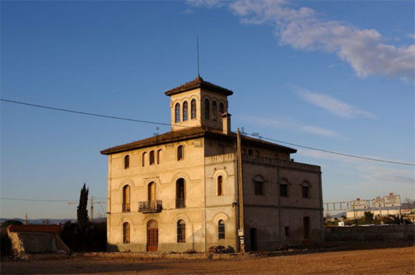 Finca en venta en Parets del Vallès