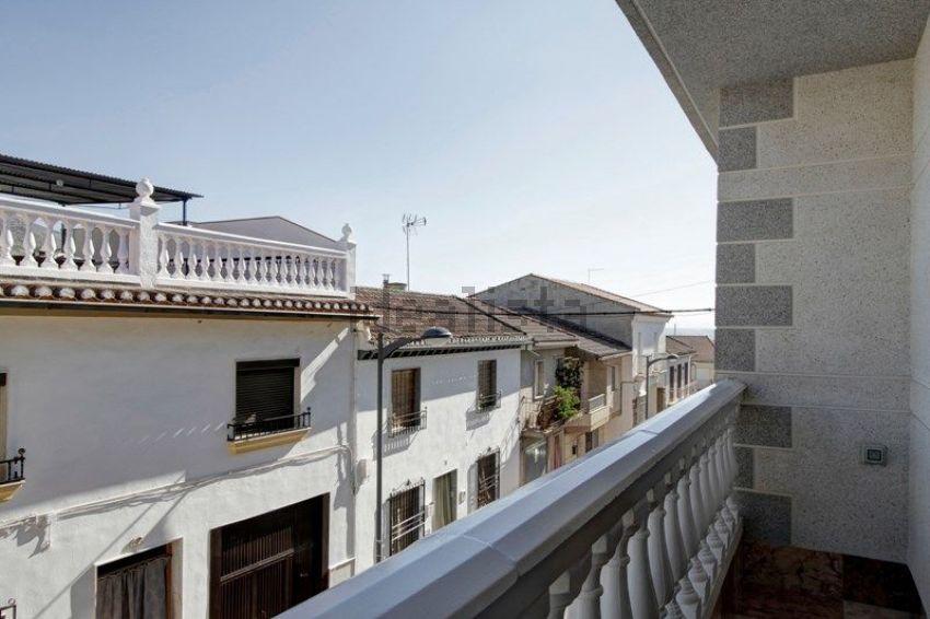 Chalet adosado en calle Eras Altas, Pinos-Puente