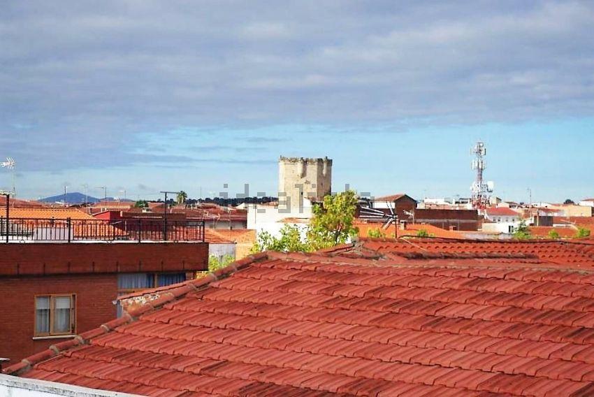 Chalet en calle Hoyos, Coria
