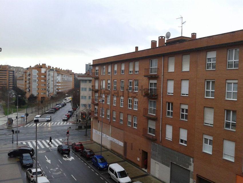 Piso en calle Sanduzelai, San Jorge, Pamplona Iruña