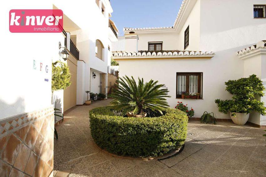 Chalet pareado en calle Alpargateros, 18, San Ildefonso, Granada