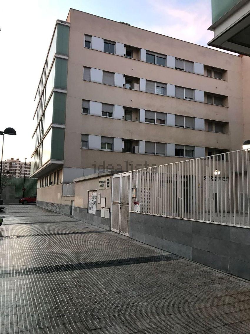 Piso en calle obón, Salvador Allende-Parque Goya-Zorongo, Zaragoza