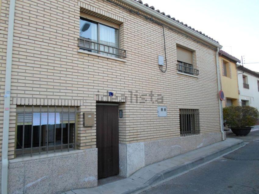 Casa de pueblo en calle Agustina de Aragón, Alagon