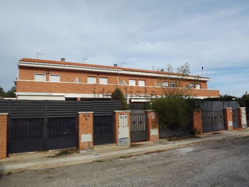 Chalet adosado en plaza Tarragona 2, Inmobiliaria Solmiami, 2, Centro, Mont-Roig