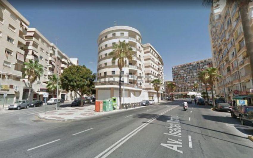 Piso en avenida isabel manoja, Ayuntamiento, Torremolinos