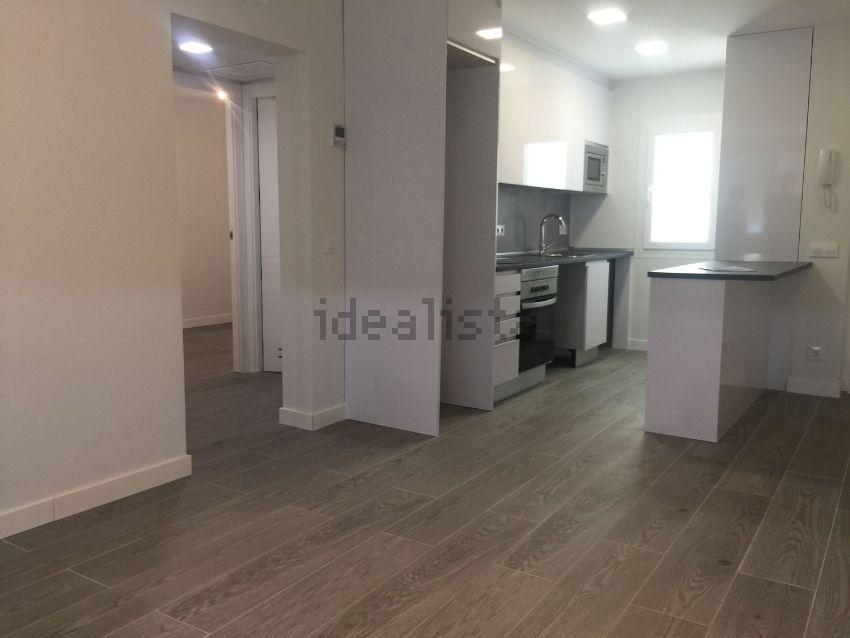 Alquiler de piso en calle de la ca ada 23 vinateros for Piso 2 habitaciones madrid