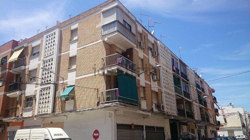 Piso en calle pintor arbasia, 15, Valdeolleros - Zumbacón - Camping, Córdoba