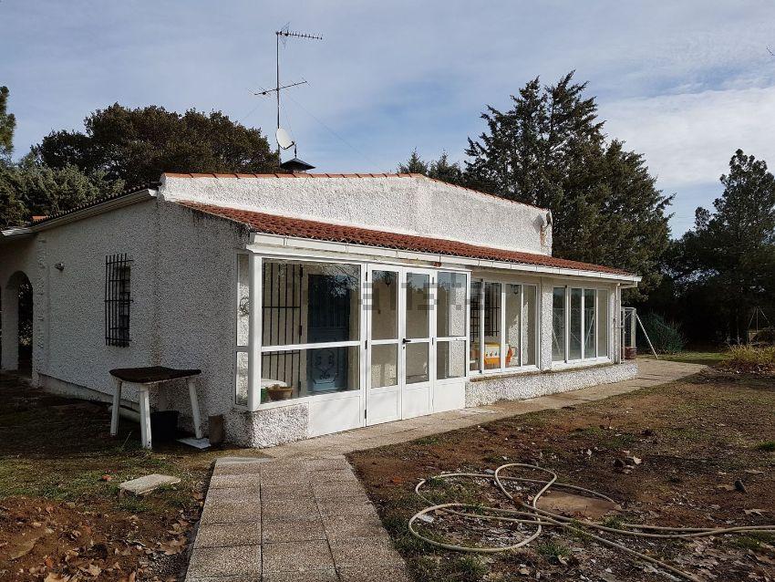 Casa o chalet independiente en Urbanizacion Huelmos S Joaquin, 86, Valdunciel