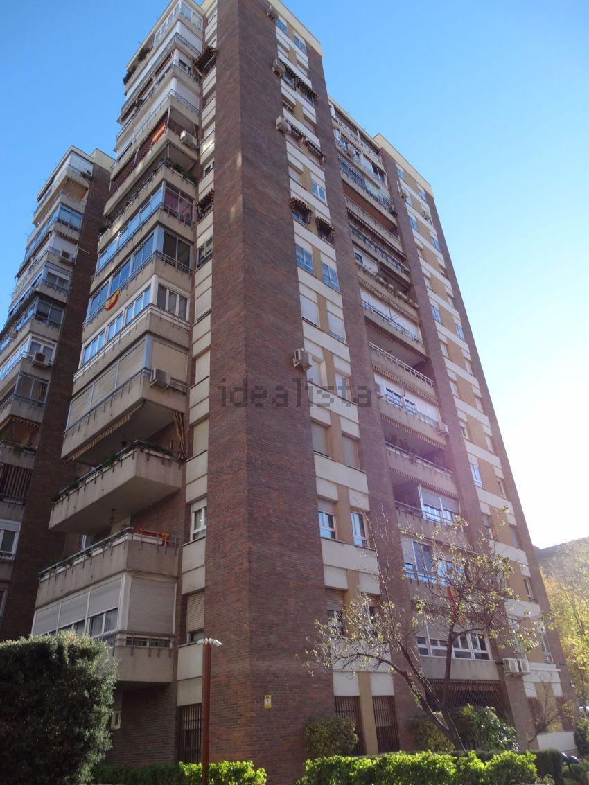 Piso en santiago de compostela, La Paz, Madrid
