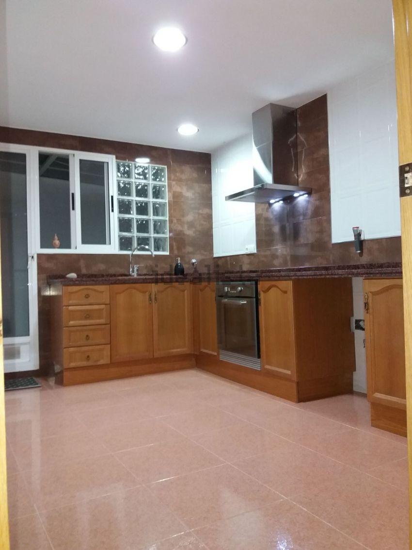 Piso en calle de Ramón y Cajal, 38, Albuixarres, Alzira