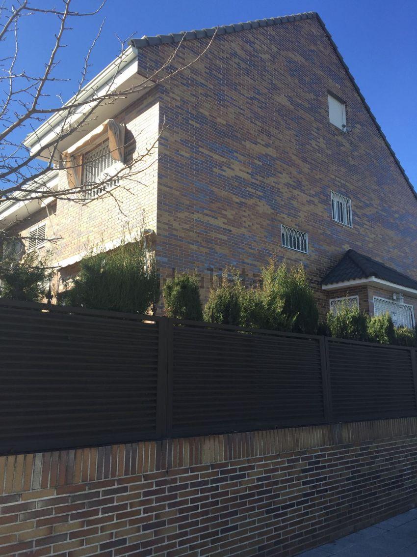 Chalet pareado en calle Valencia, 19, Montserrat - Parque Empresarial, San Ferna